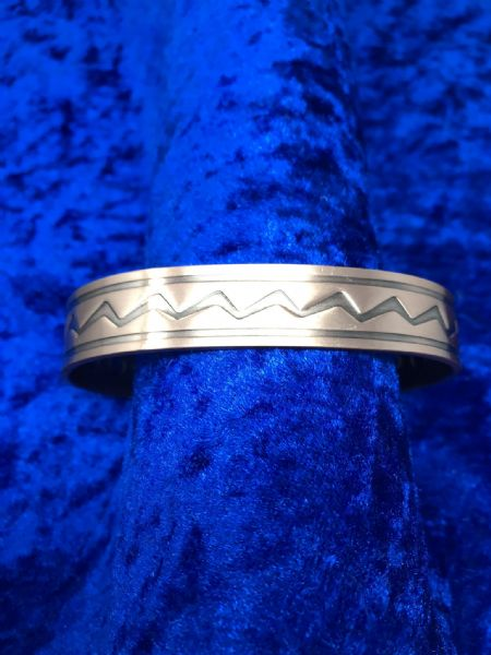 Pure Copper Zig Zag Patterned Bangle